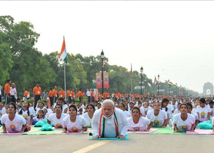 yoga-at-rajpath-55865338a8ac9_l